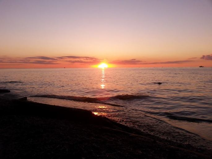Sunset over Lake Erie, 4 July 2014.