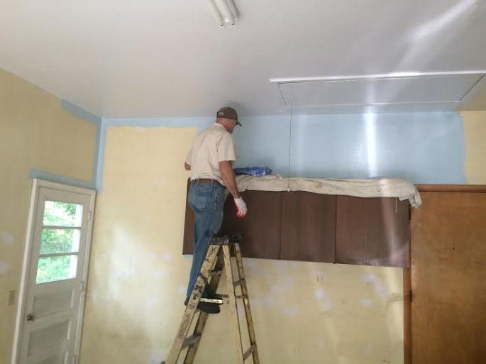 Walls blue
