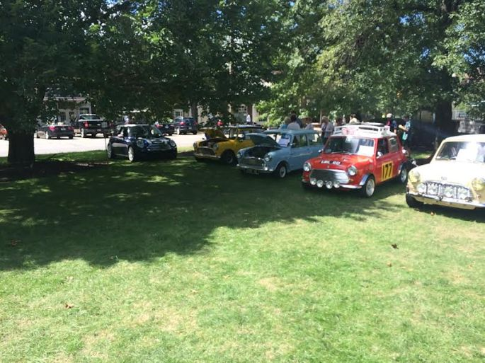 Mini's on the square...