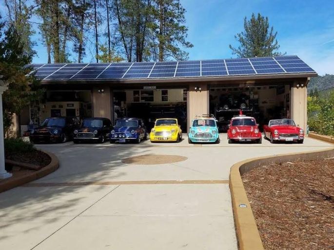 Nice garage scene...